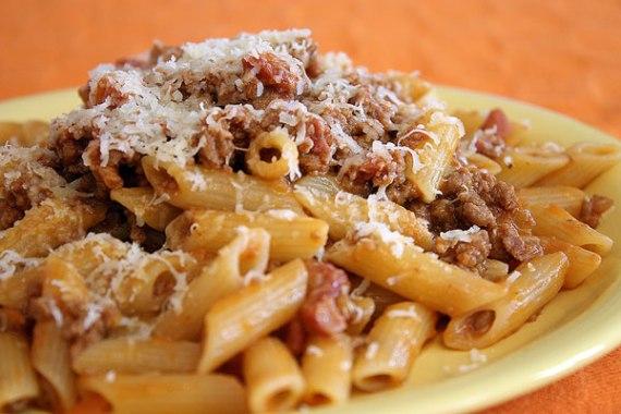4- macarrones-bolonesa (con queso)