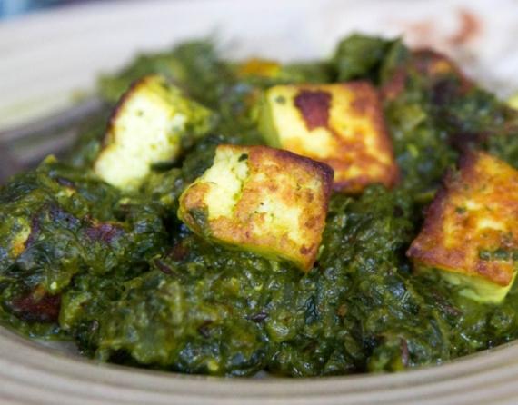 3- Espinacas al curry con queso danés