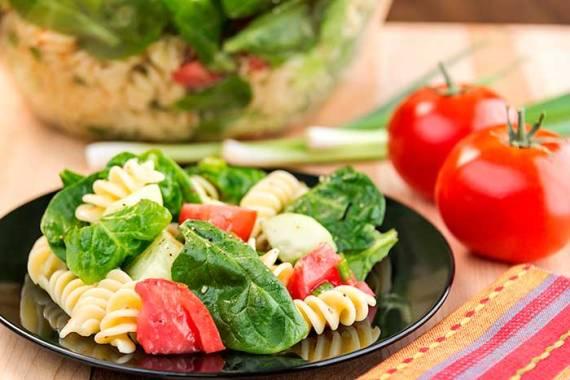 1- ensalada-pasta-espinaca-jitomate