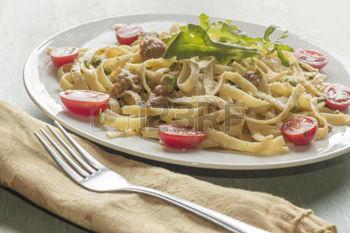 4c- Fetuccini con rúcula y tomate (foto archivo)