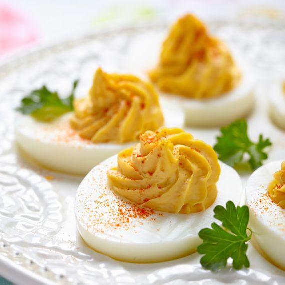 2- Huevos rellenos con Hummus – Fenicia Foods