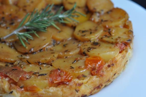 1b-tatin-de-patata-tomate-asado-y-cebolla