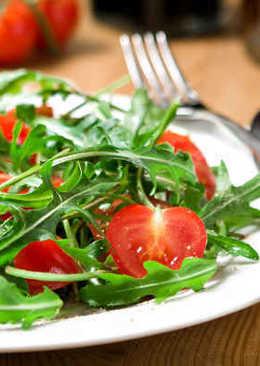 1b-ensalada-de-rucula-cherrys
