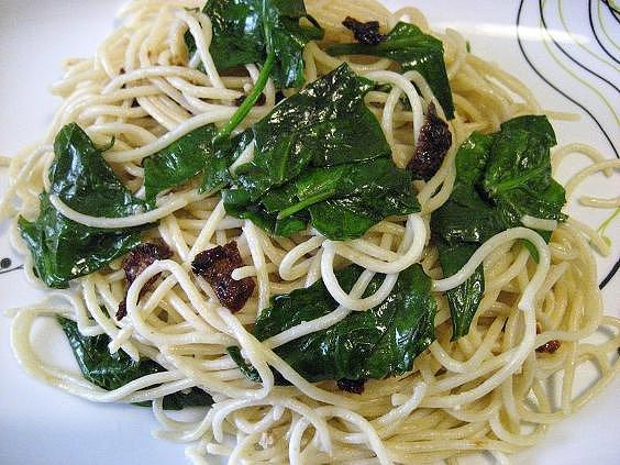 3-espaguetis-con-espinacas