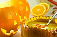 pumpkin-halloween-soup-21440147