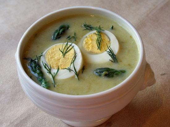 2-sopa-con-huevo-duro
