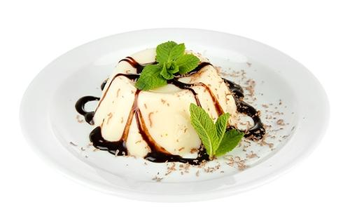 6p_panna-cotta-con-salsa-de-chocolate